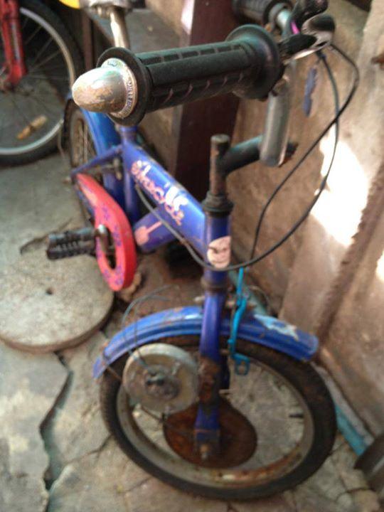 จักรยานไฟฟ้าคันนี้อายุ 15 ปีแล้วครับ จ่า แอ้มทำให้ลูกปั่นเล่น