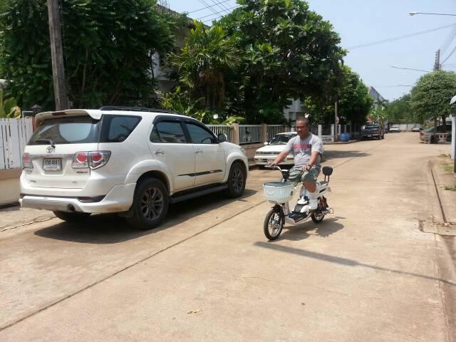 ผู้สูงอายุกับจักรยานไฟฟ้า