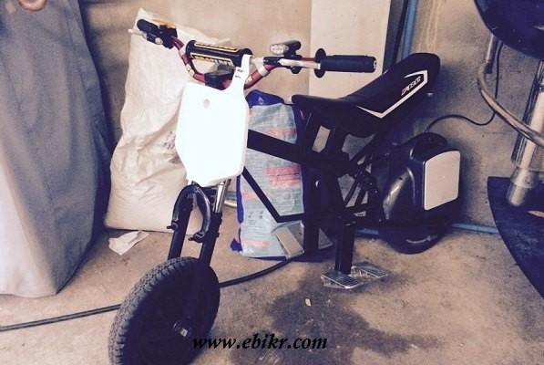 รถจักรยานไฟฟ้าสร้างจากจักรยานทรงตัวไฟฟ้าล้อเดียว