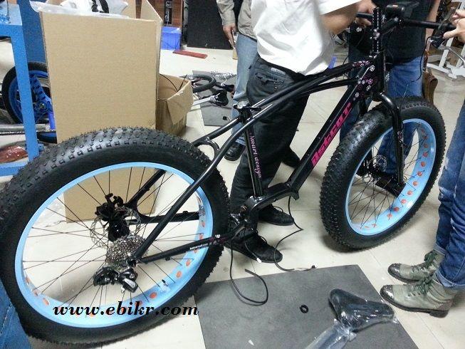 Fat Bike กับชุดขับจักรยานแบบขับกลาง สำหรับท่านที่ชอบจักรยานล้อโต